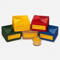 Teelichte natur, in roter Box 8St. 100% Bienenwachs; 3,5h Brenndauer